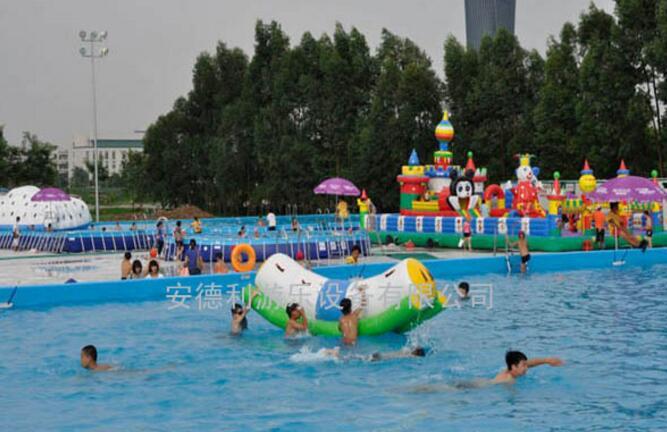 移動水上樂園實景